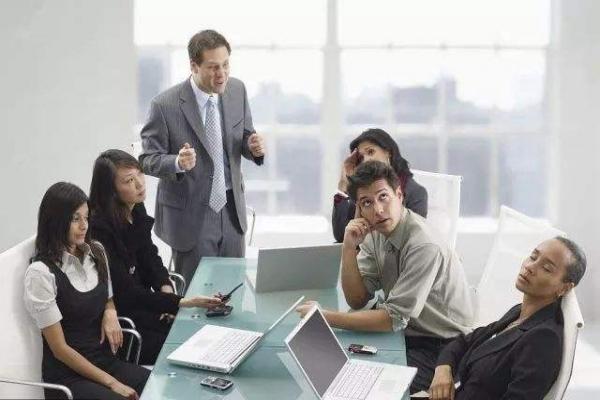 """别让低效会议浪费时间,上海崎纳智能办公帮您""""智会""""升级!"""